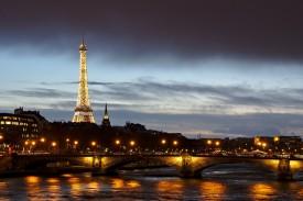Je veux domicilier mon entreprise à Paris, par où commencer ?